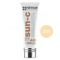 Nimue Tinted SPF 40 - Light Barwiony krem przeciwsłoneczny, kolor Light 60 ml