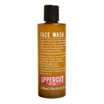 Uppercut Deluxe Face Wash Płyn do mycia twarzy z peelingiem 250 ml